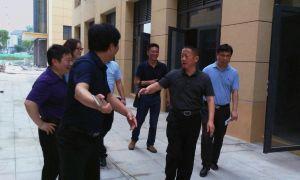 松滋市市委書記黃祥龍蒞臨松美滋美食城視察指導工作