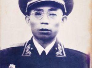 李文清  ——  原成都軍區副司令員