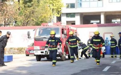 消防突击队,沙场秋点兵